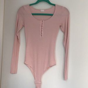 🍁2 for $50🍁 GARAGE light pink ribbed body suit.